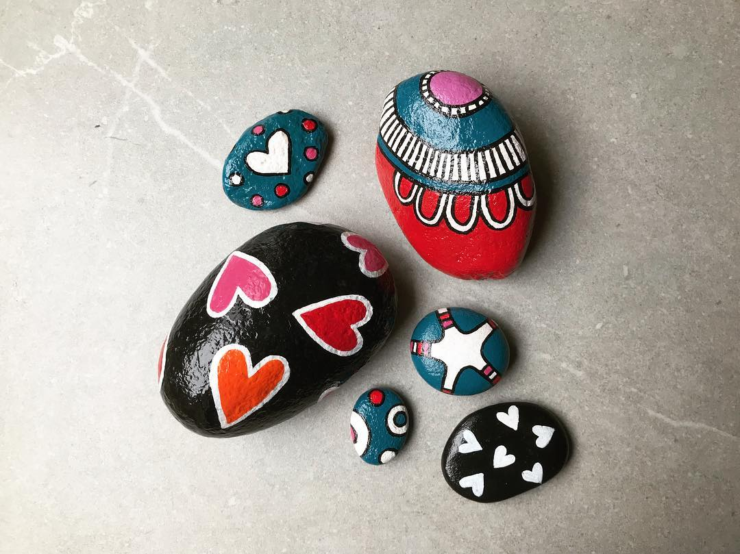 Tazi painted rocks