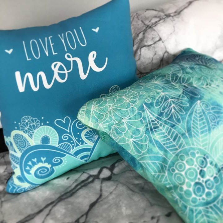Tazi throw pillows green