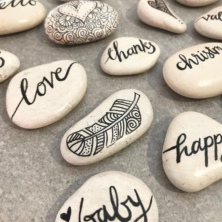 Tazi pebbles